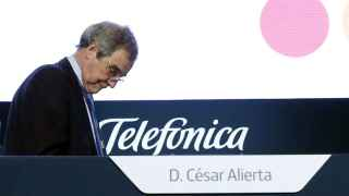 Telefónica, presidida por César Alierta, es la empresa más endeudada del Ibex