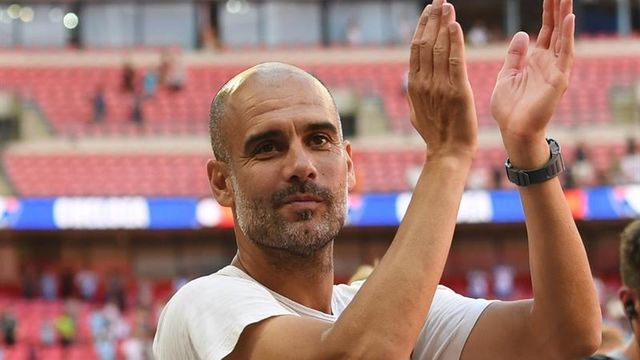 Pep Guardiola al final del partido de la Community Shield